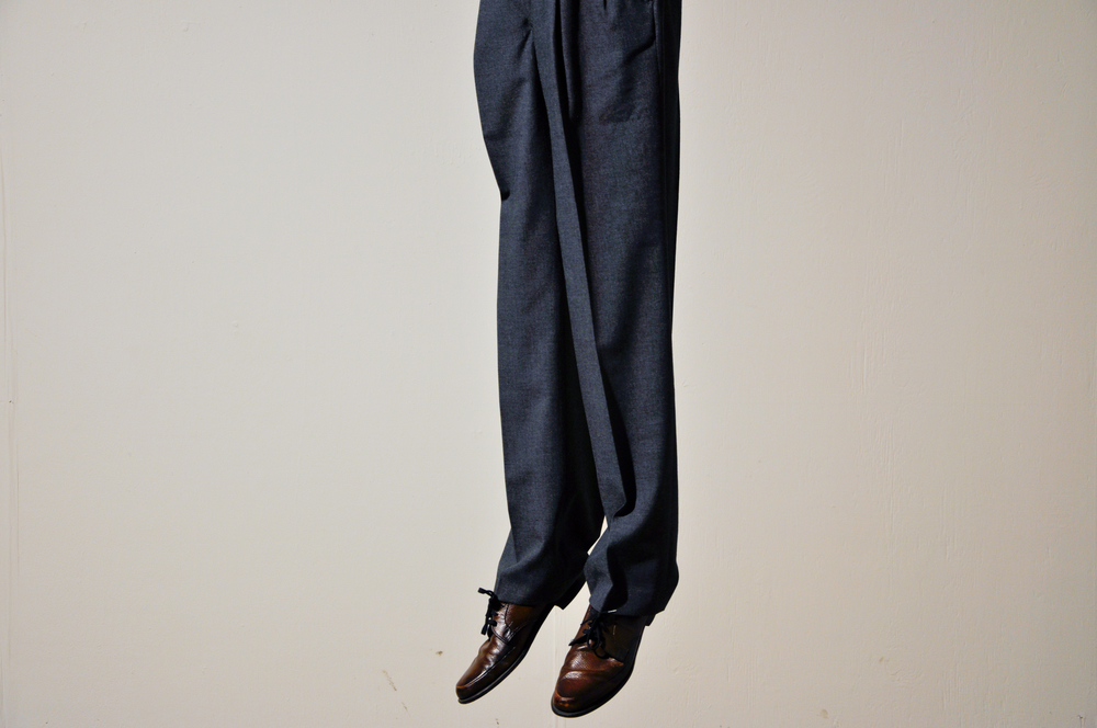 2013 , trousers, desk, rope, shoes