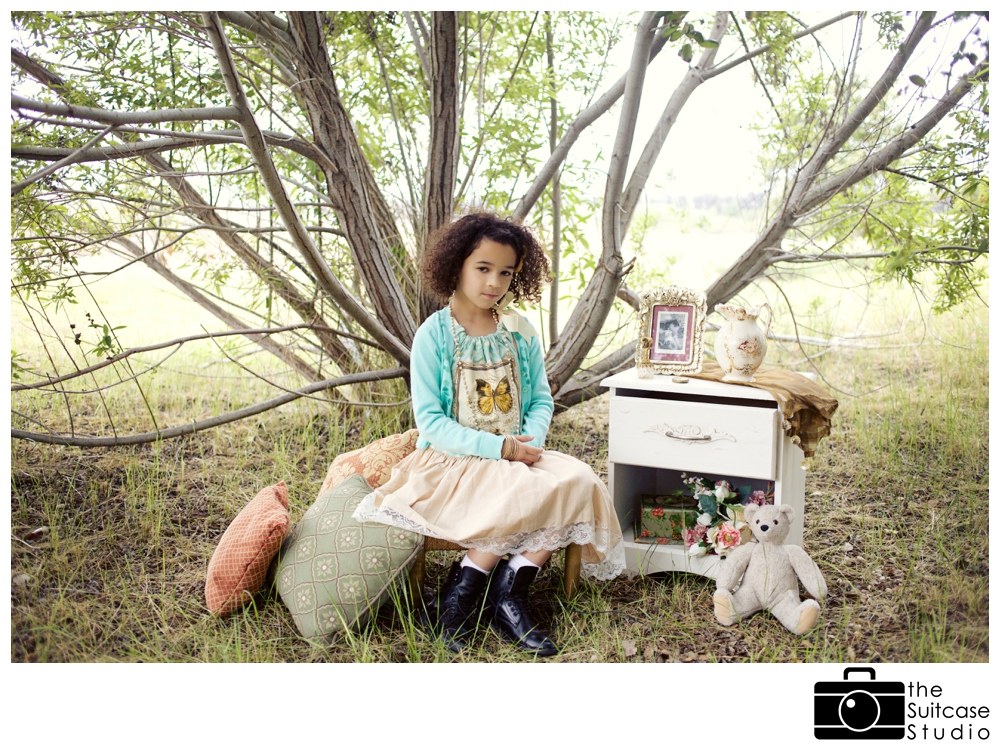 Vintage Spring Childs Portrait Session with The Suitcase Studio_0005