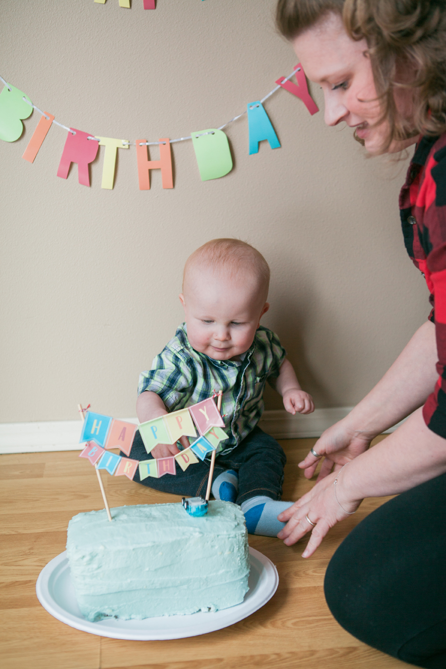 enjoy your baby's first birthday party instead of being behind the camera yourself - the suitcase studio's baby's first year plan in bend oregon includes birthday party photo coverage