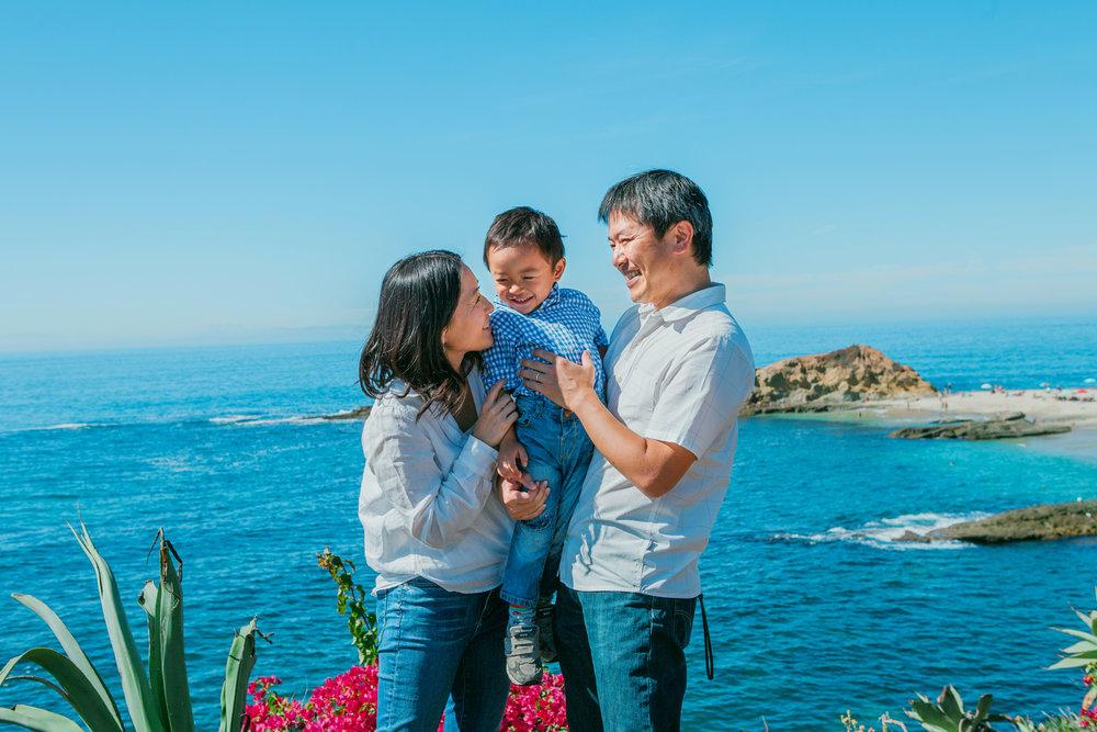 the suitcase studio - family photographer in Orange County, CA