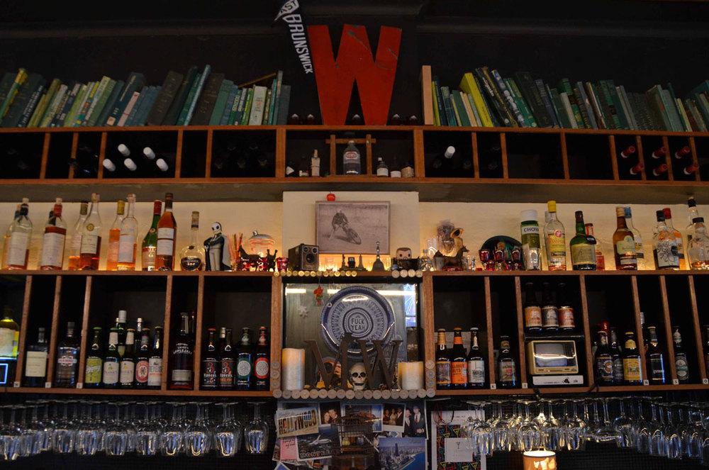 W_Bar.jpg