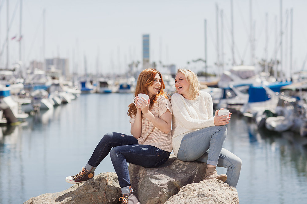 Friends drinking coffee in the Long Beach harbor