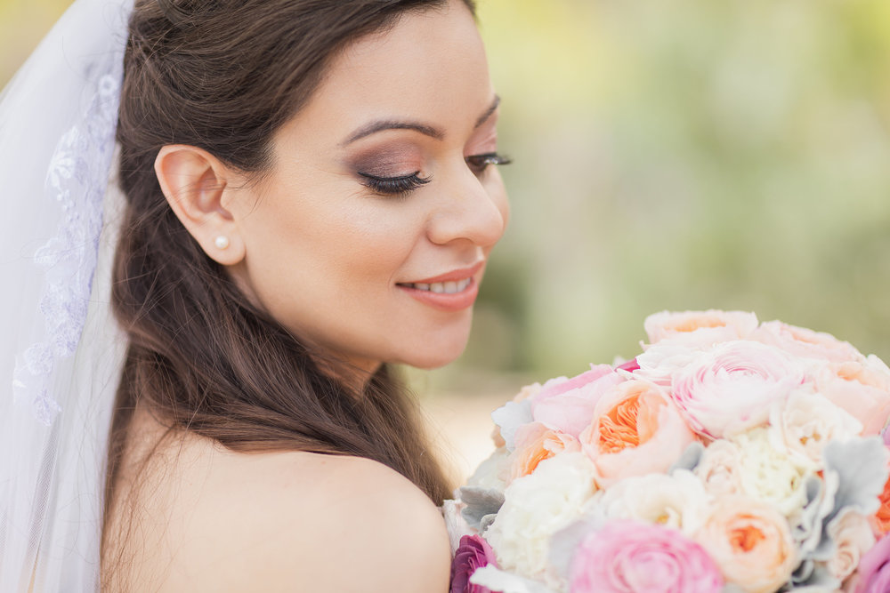 tight shot of bride with her bouquet.jpg
