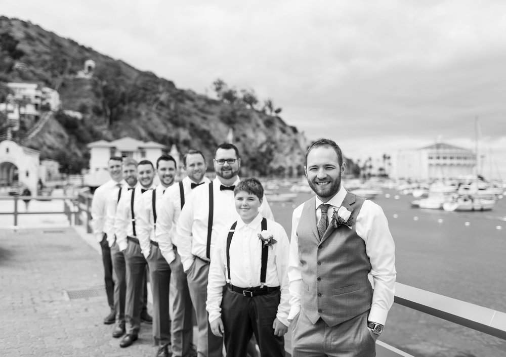 Groom and his Groomsmen Photo Pose.jpg