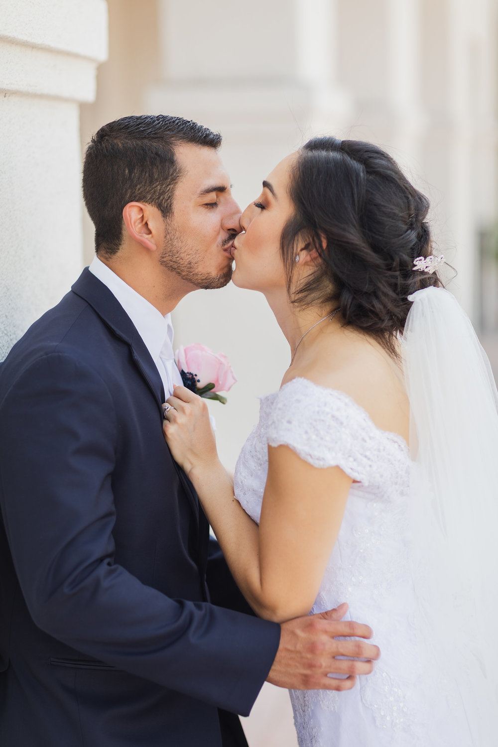 ! Gorgeous Photo of Bride and Groom Kiss.jpg