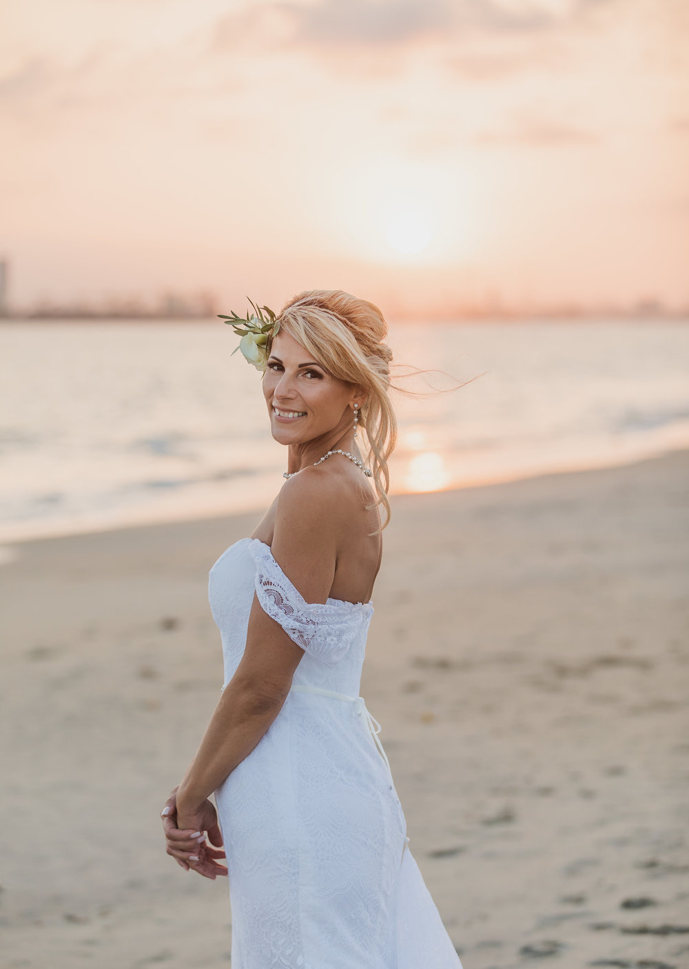 Beautiful Bridal Portraits in Long Beach.jpg