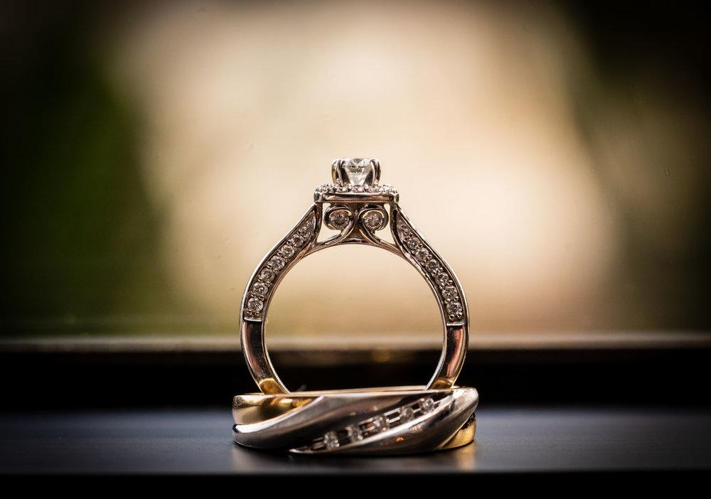 ! Awesome Artistic Wedding Ring Detail Photo.jpg