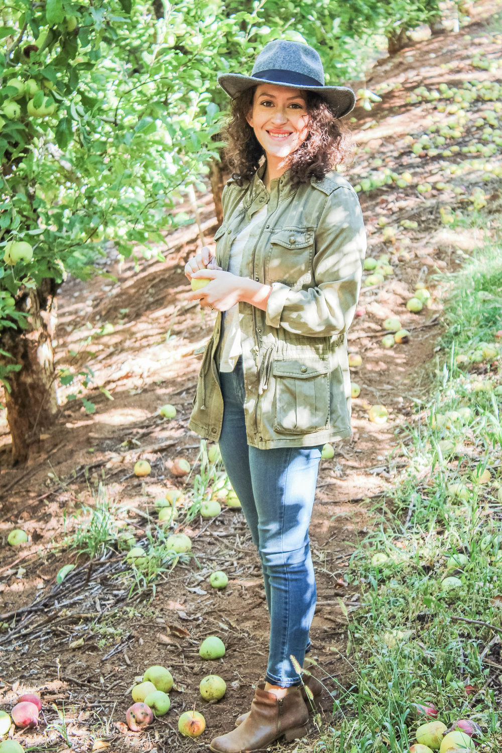 Apple picking outfit from my fall capsule wardrobe