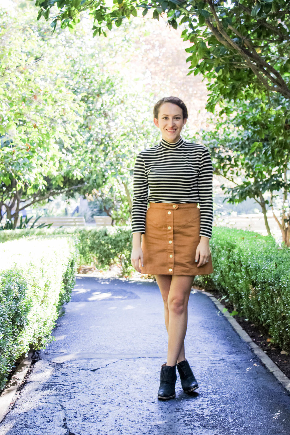 Stripe mockneck top and cognac colored button front skirt outfit | fall capsule wardrobe | tintedgreenblog.com