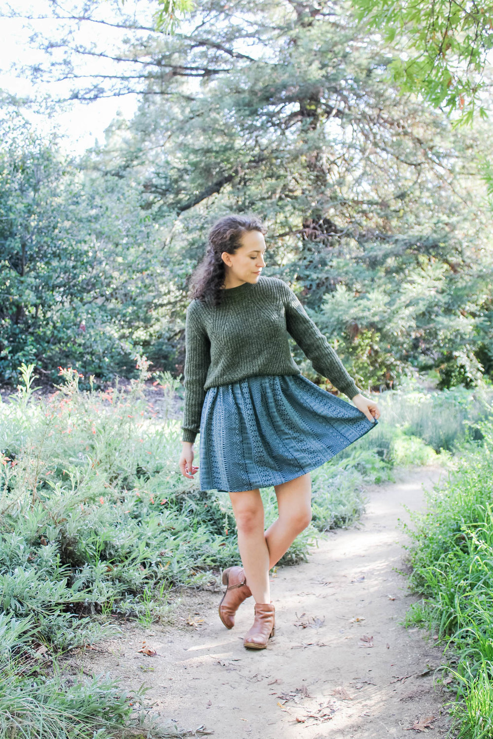 knit jumper layered over a summer dress | fall capsule wardrobe outfit | tintedgreen