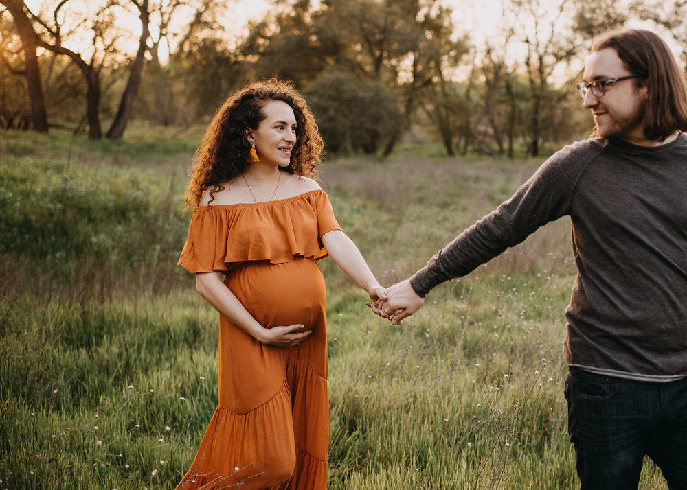Chloe Ramirez Photography | spring outdoor maternity session