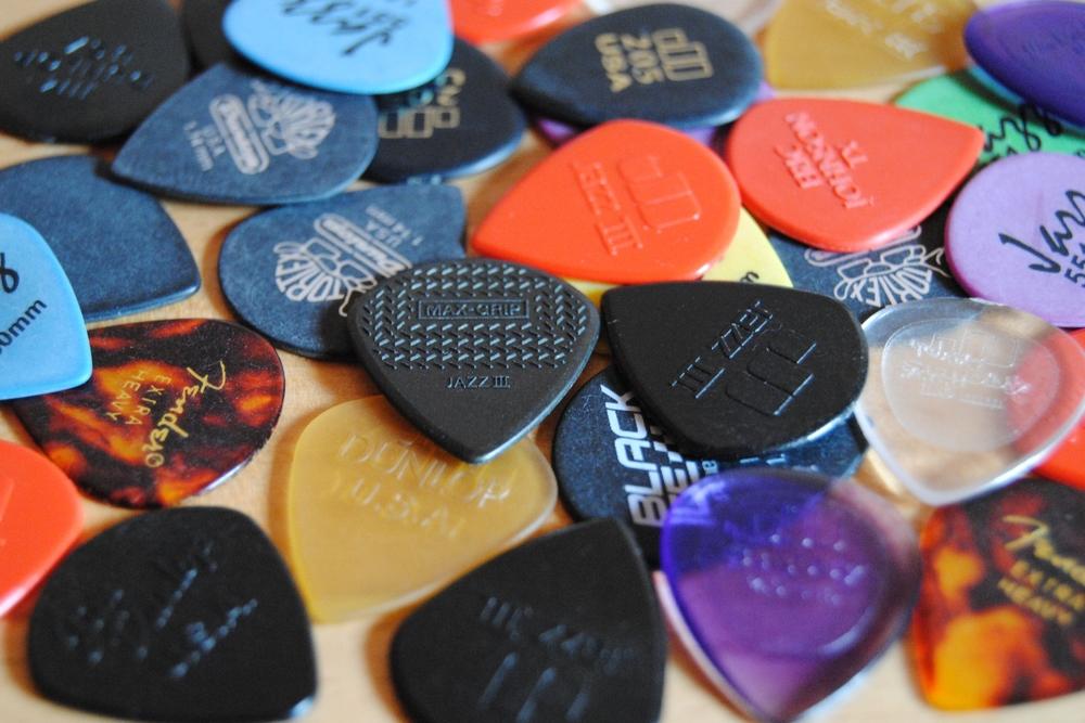 Verschiedene Jazz-Picks von Dunlop und anderen Herstellern