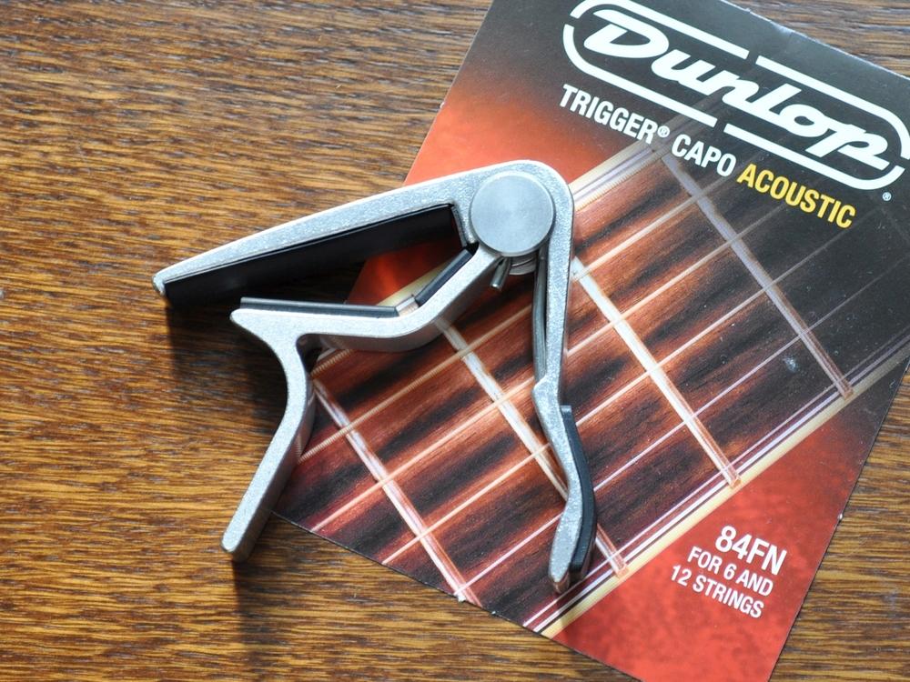 Dunlop Trigger Capo Acoustic im Test