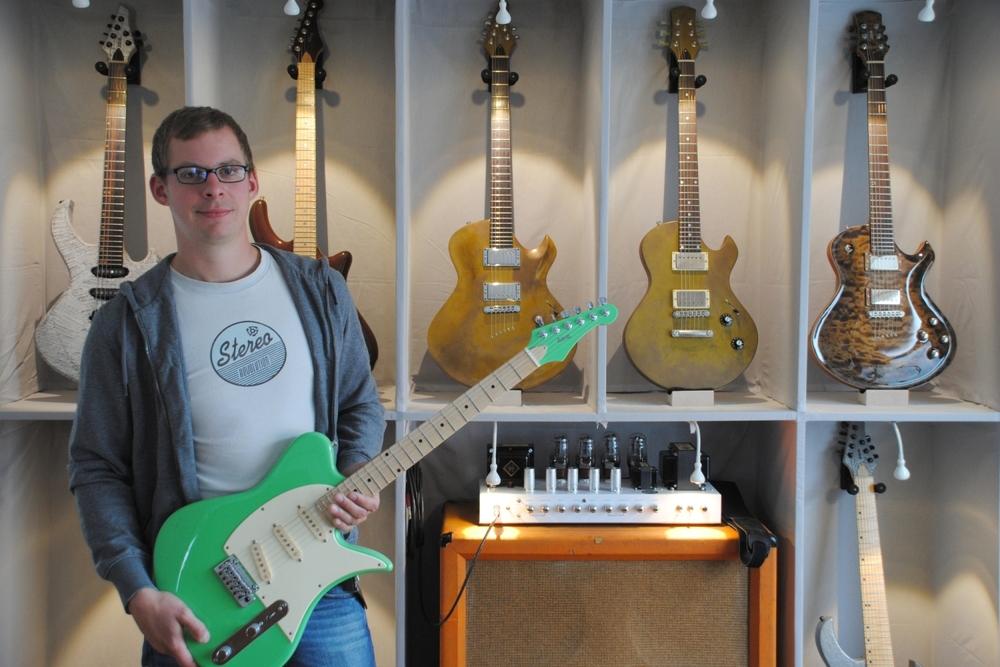 Bastian Kanbach – Gitarrenbauer und Gründer von Zeal Guitars (Kaiserslautern)