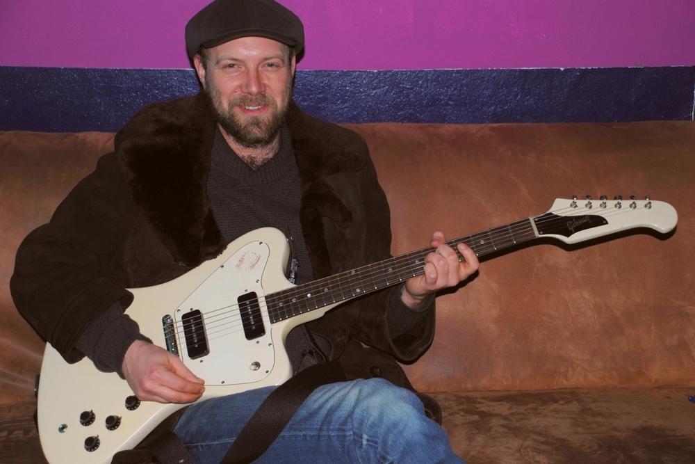Henrik Freischlader - Gitarrist, Sänger, Songwriter und Produzent aus Wuppertal
