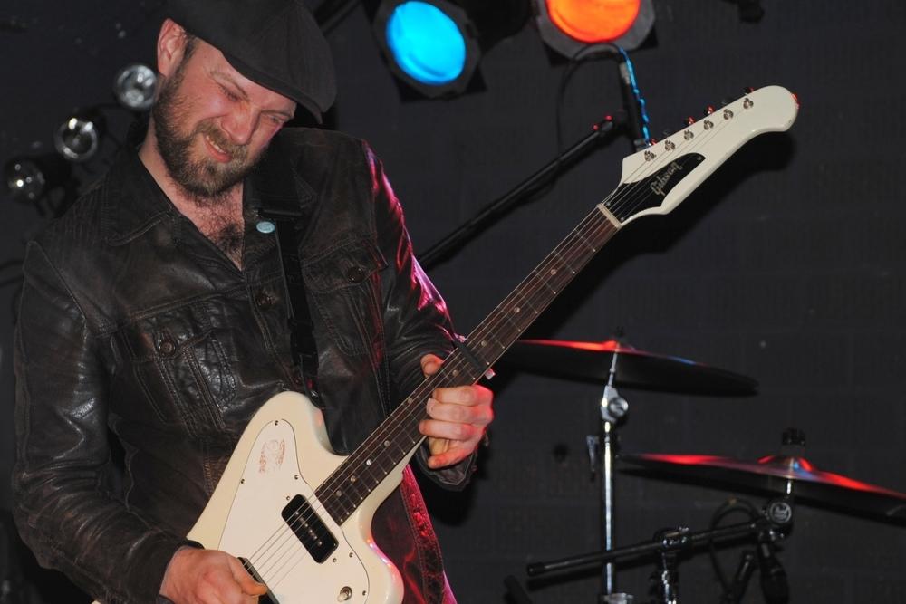 Henrik Freischlader Live mit seiner Gibson Firebird