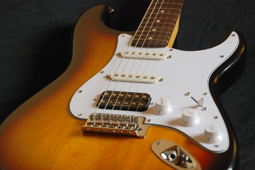 Squier Vintage Modified Stratocaster HSS — Blues\'n\'Rock ...