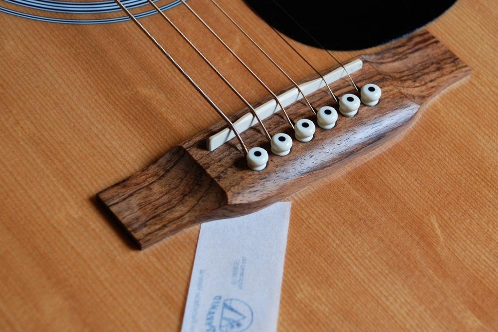 Tipps zum Gitarrenkauf - Der Papiertest