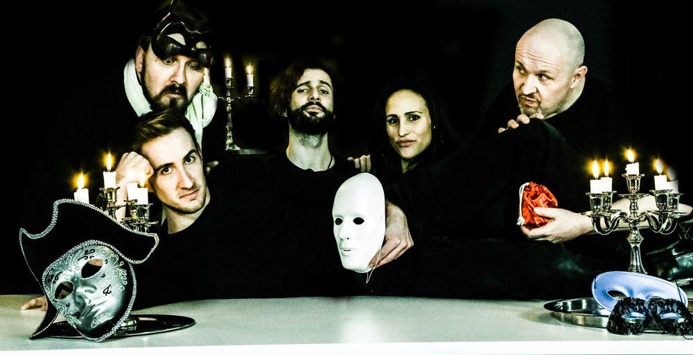 Tobias Fischer (liegend), Francisco Medianero (h.r.), Silvan Buess, MArina Kuc, Thom F. Küng