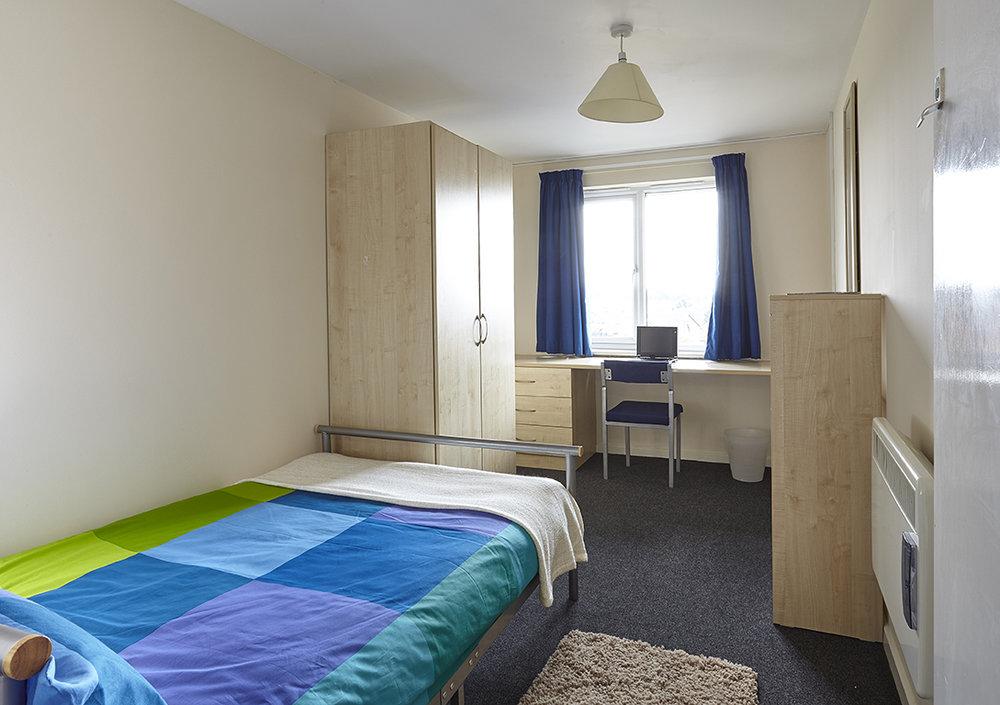 - Classic En-suite44 weeks - £132.00 per week45 weeks - £129.00 per week51 weeks - £126.00 per week