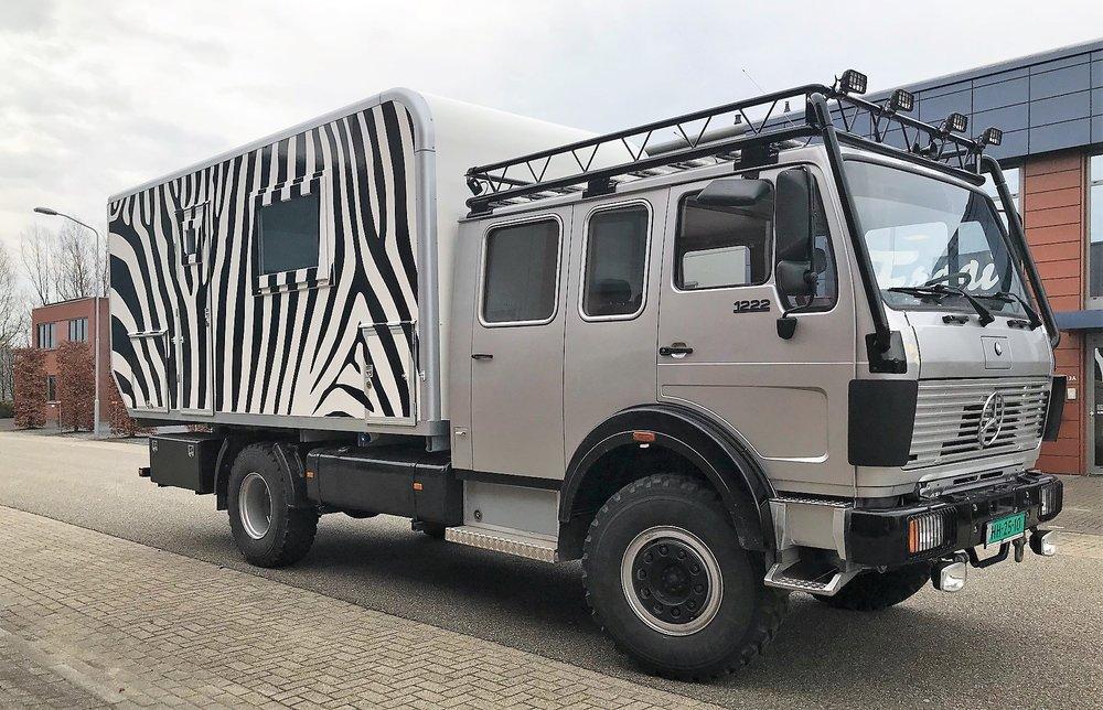 4x4 zebra 2.jpg