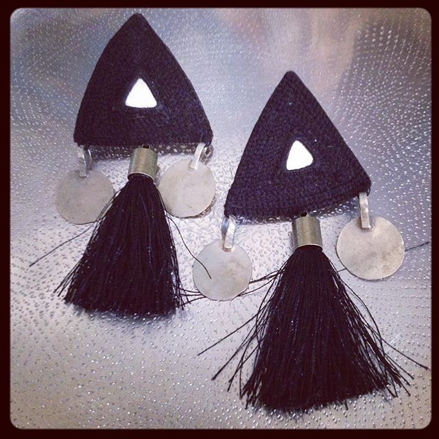 So in love with these earrings! ◾️◽️ #handembroidered #handmade in #Iran #ethicalfashion #ethicaljewellery #ethicalstyle #worldchic @masoudi.london
