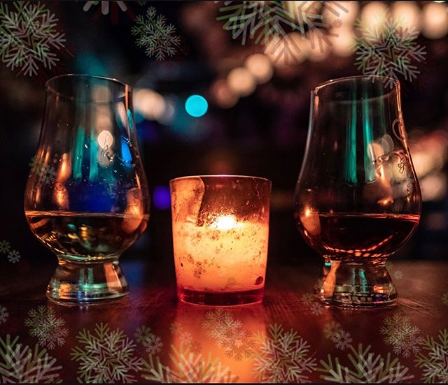'Tis the season for giving, share a drink with a friend 🎄🥃👑 • • Pick up #NoirKingCognac VSOP at select #Atlanta stores and #CelebrateLikeAKing!
