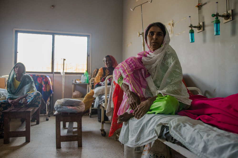 Women recovering in HOPE's community hospital in Thatta (photo by Jennifer Ciochon)