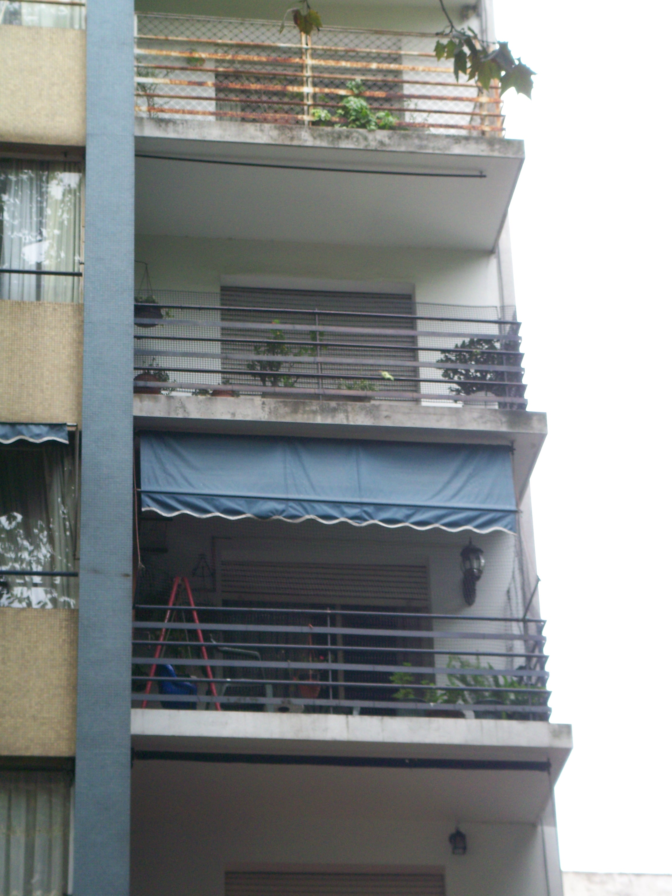 Three decks, all with mesh over the railings