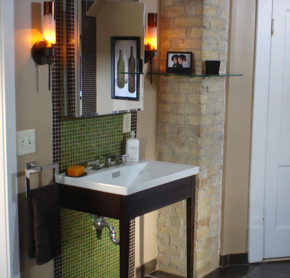 DIY Channel Bathroom Remodel by Lisa La Nasa
