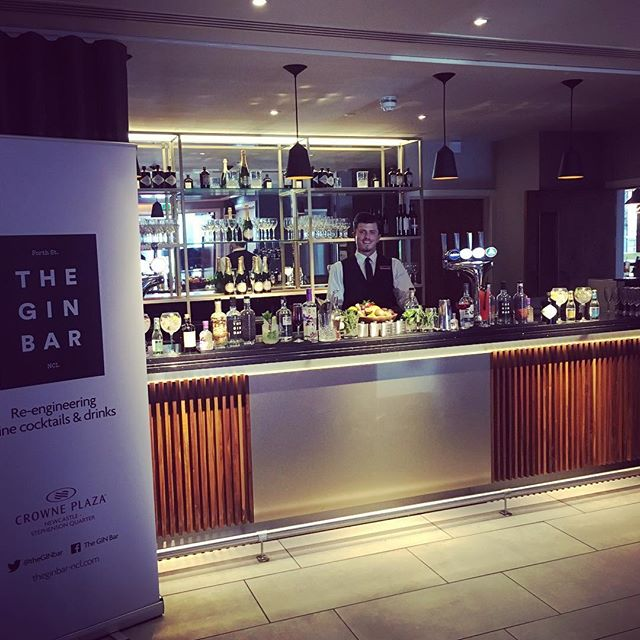 Join us today at the Crowne Plaza Newcastle for the wedding fair, see us for some gin tasting! @crowneplazancl @murpphh #hepplegin #ginbar #gin #fevertree #fentimans