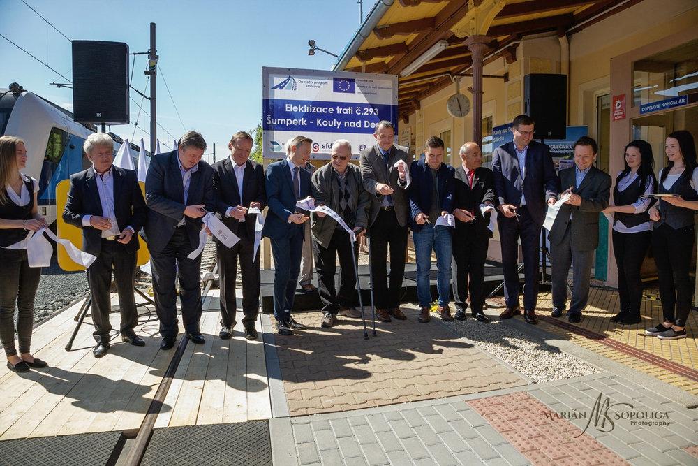 zeleznice_desna_slavnostni_zahajeni038.psd