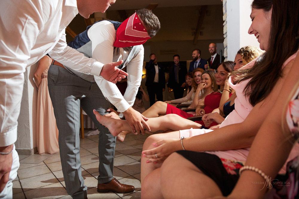 svatebni-foto-z-vecerni-zabavy-ze-svatby-v-hotelu-atlantis-brno-