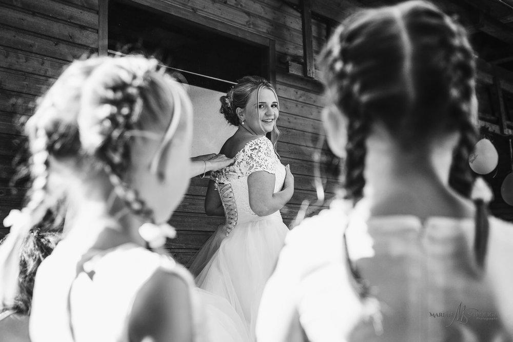 svatebni-fotograf-roznov-pod-radhostem-fotografie-s-rannich-prip