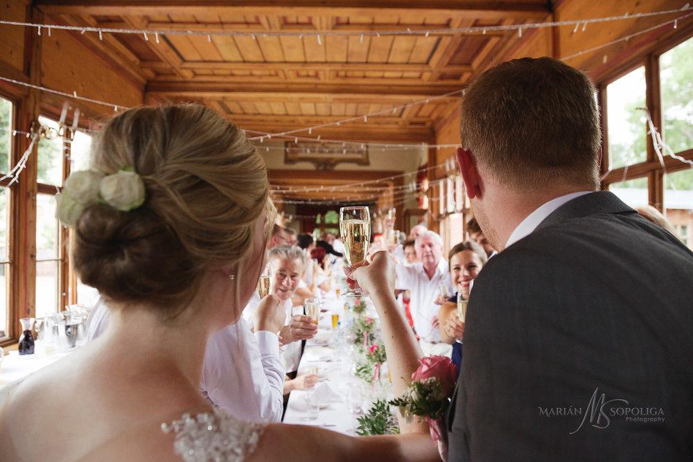 profesionalni-svatebni-fotograf-pavilon-grebovka-praha.jpg
