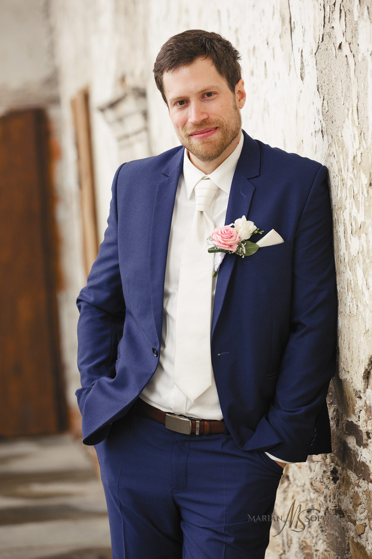 portretni-svatebni-fotografie-zenicha-branna-u-sumperka.jpg
