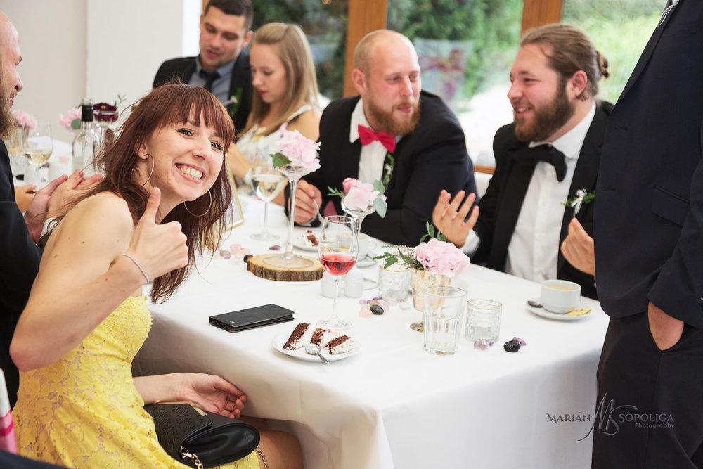 Copy of reportazni-svatebni-fotograf-brno004.jpg