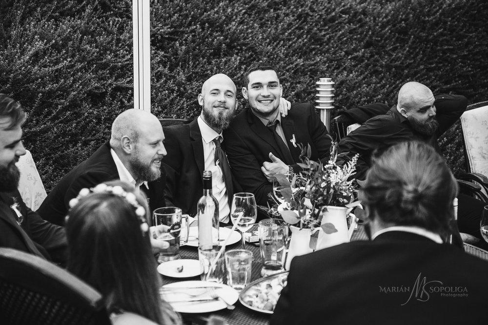 reportazni-svatebni-fotograf-brno007.jpg