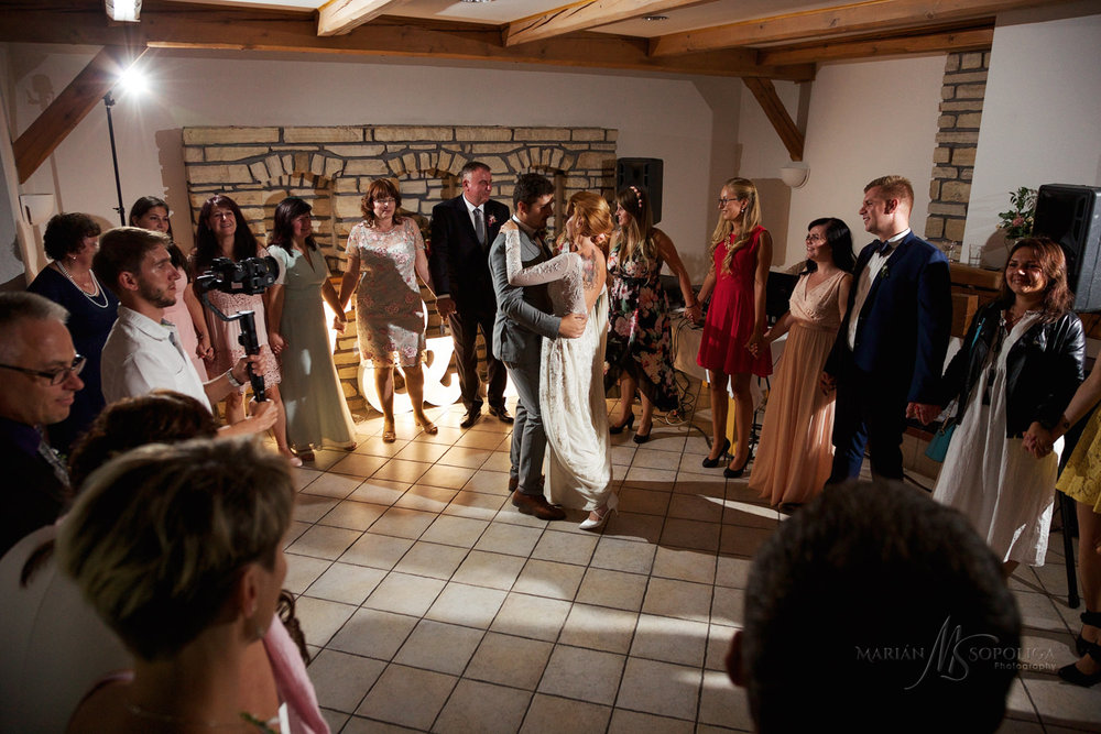 reportazni-svatebni-fotograf-brno010.jpg