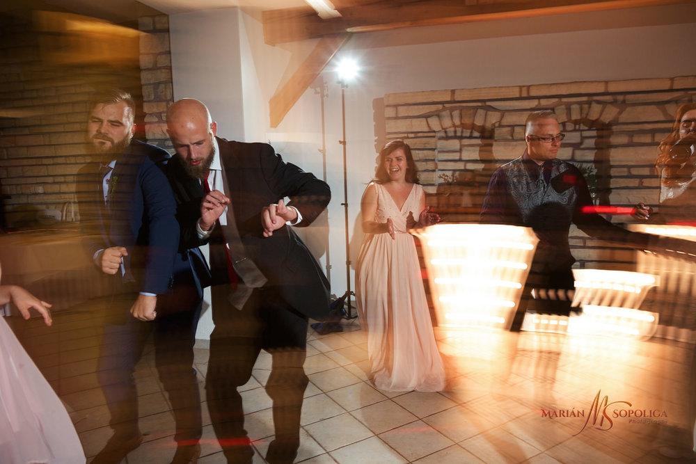 reportazni-svatebni-fotograf-brno022.jpg
