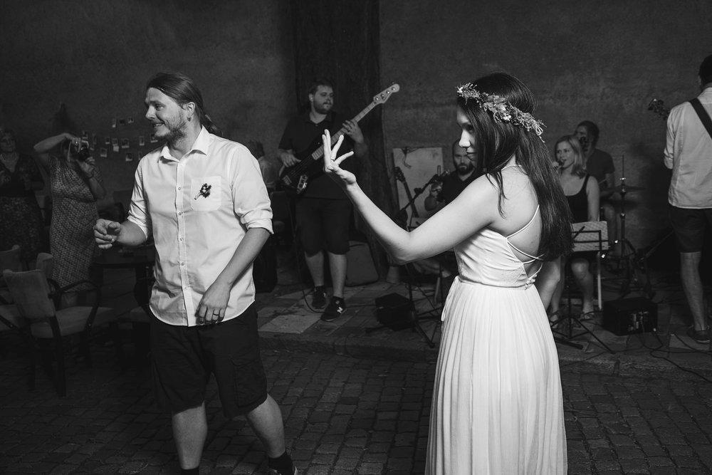 dokumentarni-svatebni-fotografe-dvorek-pod-petrovem-v- brne020.j