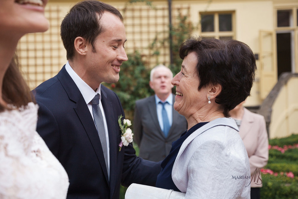 gratulace-maminky-ve-vrtbovske-zahrade-praha.jpg