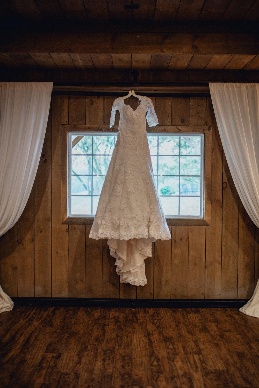 RUSTIC MANOR 1848 - WISCONSIN INTIMATE FALL BARN WEDDING PHOTOGRAPHER - EMERALD TIDE PHOTOGRAPHY -