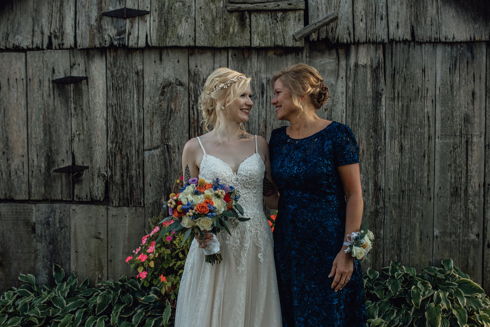 bride and mother portrait at oak hill weddings