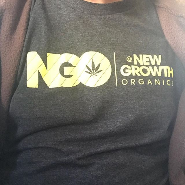 New Growth Organics is out in Vegas for #mjbizcon  Look for the T-shirt and you will find the Terp Diamonds 💎💎💎💎