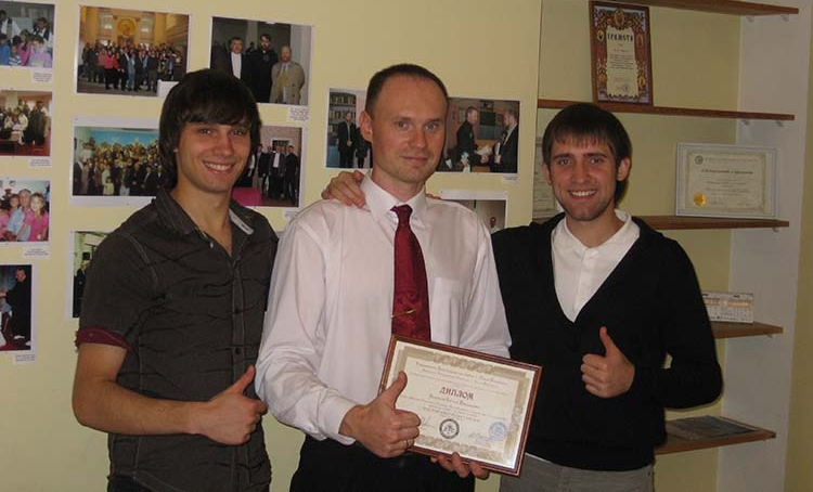 Evgeni Ikonnikov with his diploma in Biblical studies.