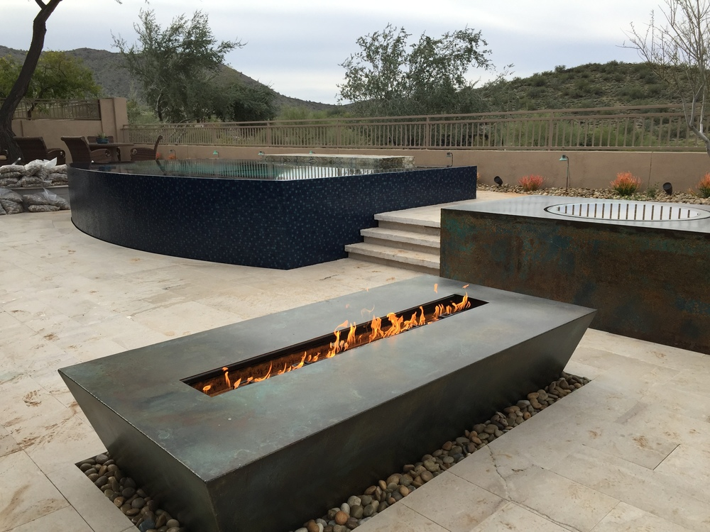 Fire tables bobe water fire for Concreteworks fire table