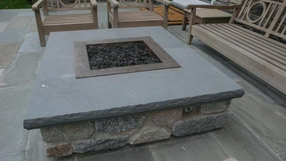 Fire pit inserts bobe water fire for Prefabricated fire pits