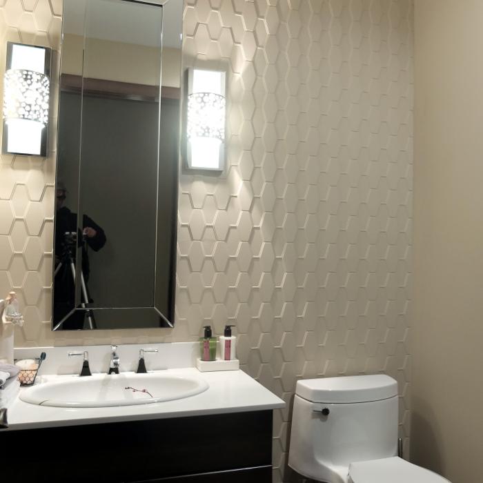 Edie's Bathroom-1.JPG