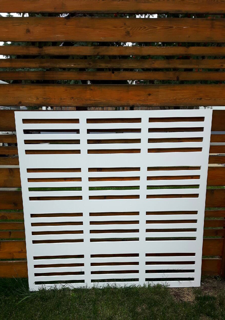 Outdoor Screen-straight 750w-1.jpeg